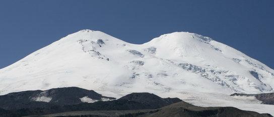 Эльбрусиада: массовое восхождение на Эльбрус